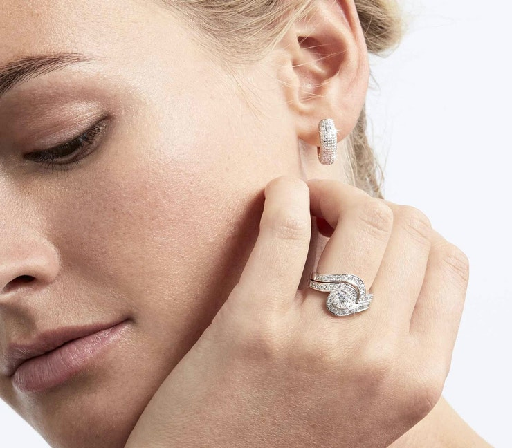Diamond Halo Engagement Rings