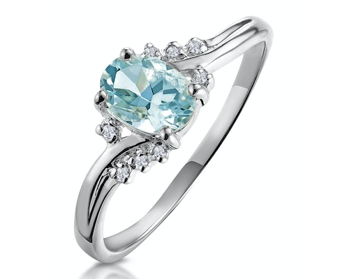 Oval Cut Aquamarine Rings