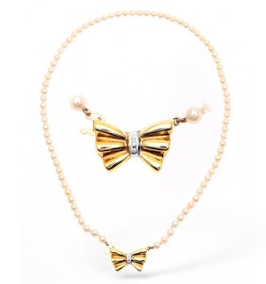 9K Gold Pearl and Diamond Necklace with Bow Detail 14Inches